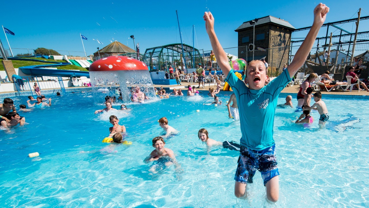 Family holiday park on devon 39 s golden coast woolacombe Holiday parks in uk with swimming pools